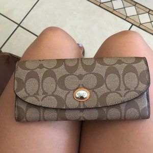 Coach wallet (women) brand new